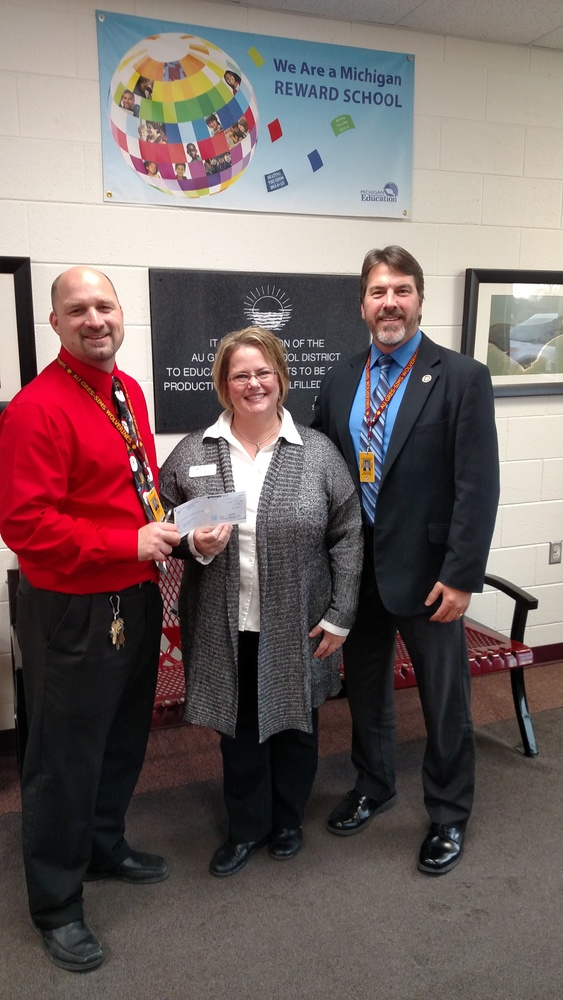 AGS Receives Grant from Arenac Community Funds for Science Olympiad