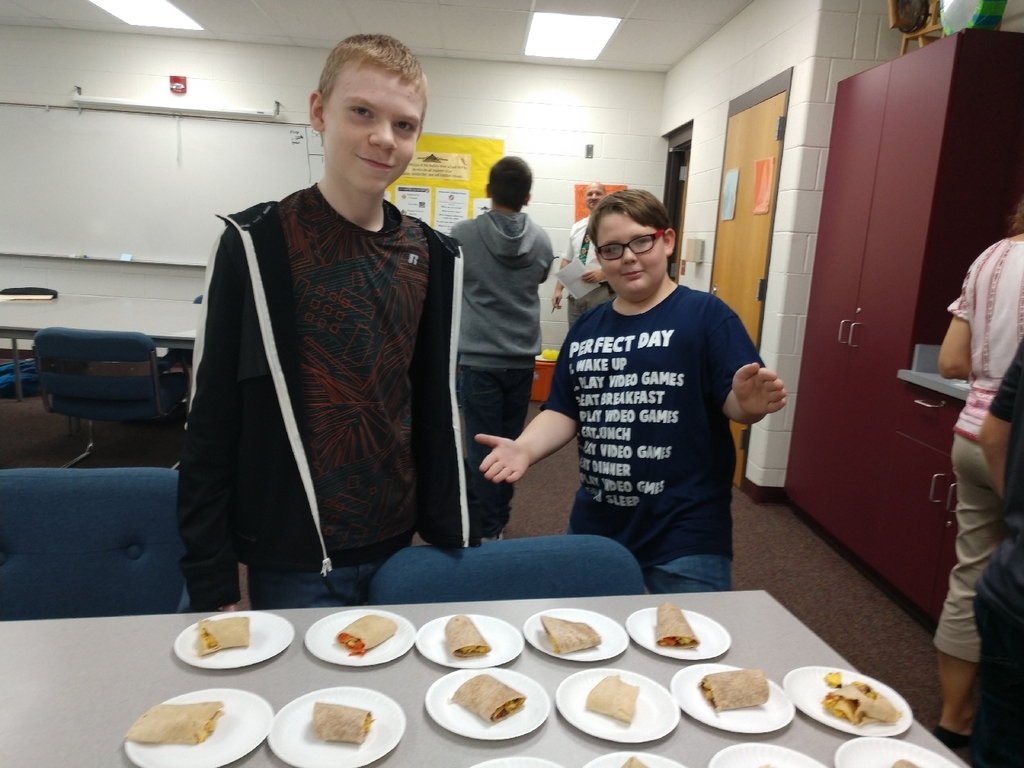 Can you smell what the 7th grade health class is cooking? Today MSU extension helped Mrs. Stanley's class prepare protein quesadillas and breakfast burritos.
