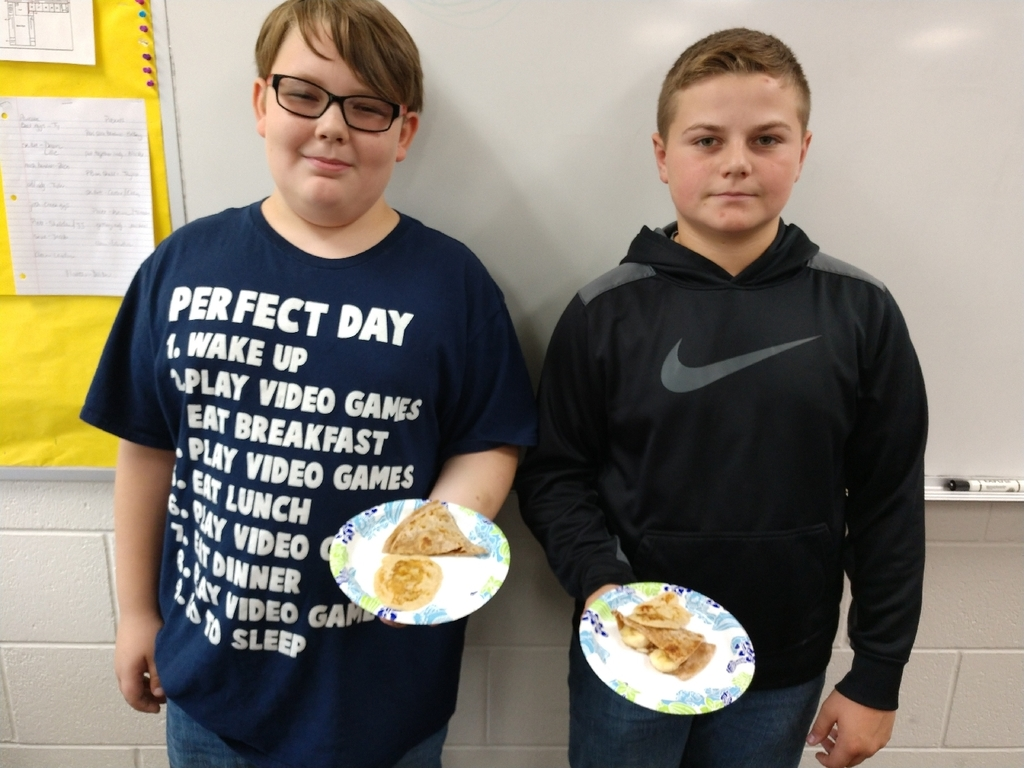 Today in health 7th graders learned about simple and complex carbohydrates. Next they prepared banana pancakes and peanut butter & banana wraps and finally enjoyed their scrumptious creations!