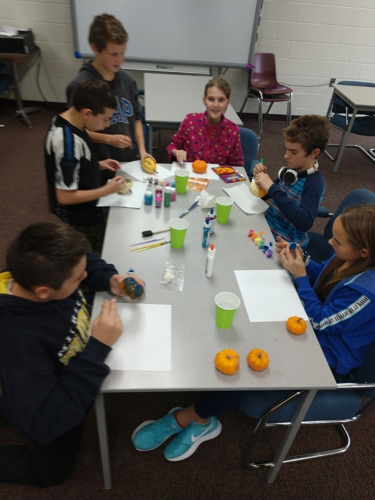 Mrs. Stanley's seminar students worked hard and earned their October reward. Students were able to paint pumpkins and enjoyed donut holes and apple cinder.